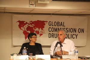 Comissioners Ruth Dreifuss and Michel Kazatchkine